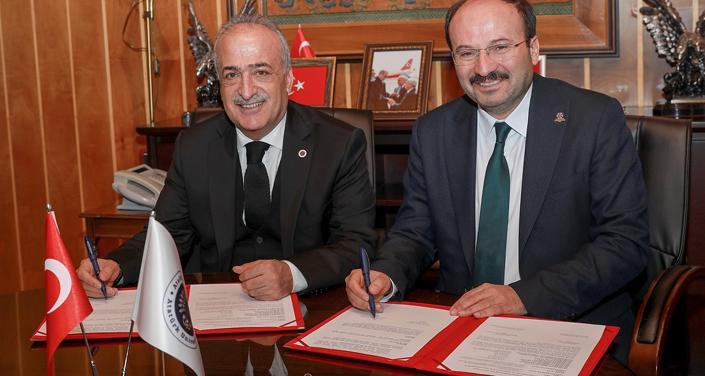 Atatürk Üniversitesi ile Erzurum Teknik Üniversitesi arasında iş birliği protokolü imzalandı