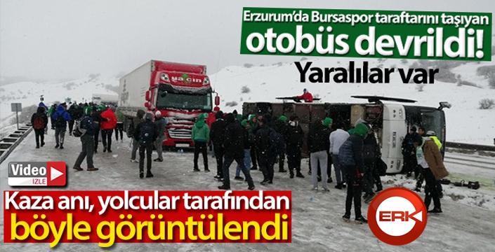 Bursaspor taraftarını taşıyan otobüs devrildi: 2 yaralı... Kaza anı an be an kameralara yansıdı...