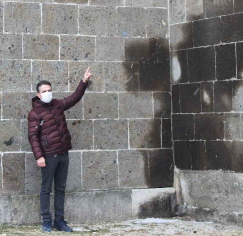 Ebu İshak Türbesi'nde restorasyon çalışması tamamlandı
