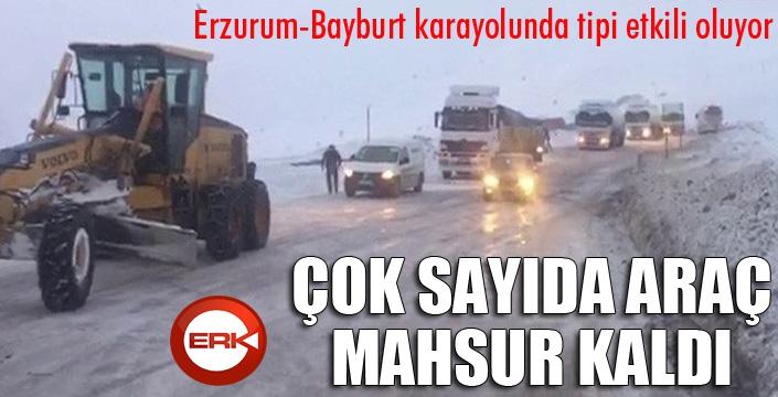 Erzurum - Bayburt karayolunda çok sayıda araç tipi nedeniyle mahsur kaldı