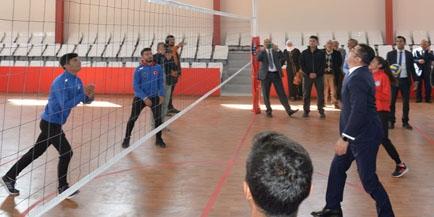 """Erzurum Valisi Okay Memiş, """"Gençlerimizi sporla kötü alışkanlıklardan uzak tutacağız"""""""